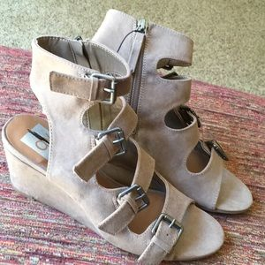 DV ankle strap sandals